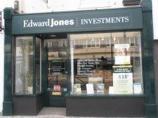 Edward Jones Files Temporary Restraining Order Against a Terminated Financial Advisor
