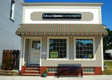 Whose clients are they? Edward Jones sues $150M Ameriprise advisors
